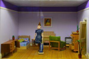poupées nettoie maison